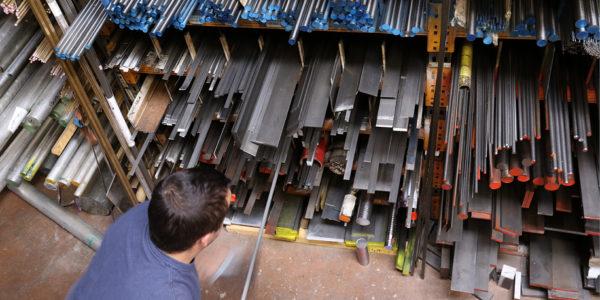 Magasin Magasinier Groupe VTD, usinage mécanique préparation fabrication d'outillages de découpe maroquinerie Gannat (Allier) Ecquevilly (Yvelines) Romans-sur-isère (Drôme)